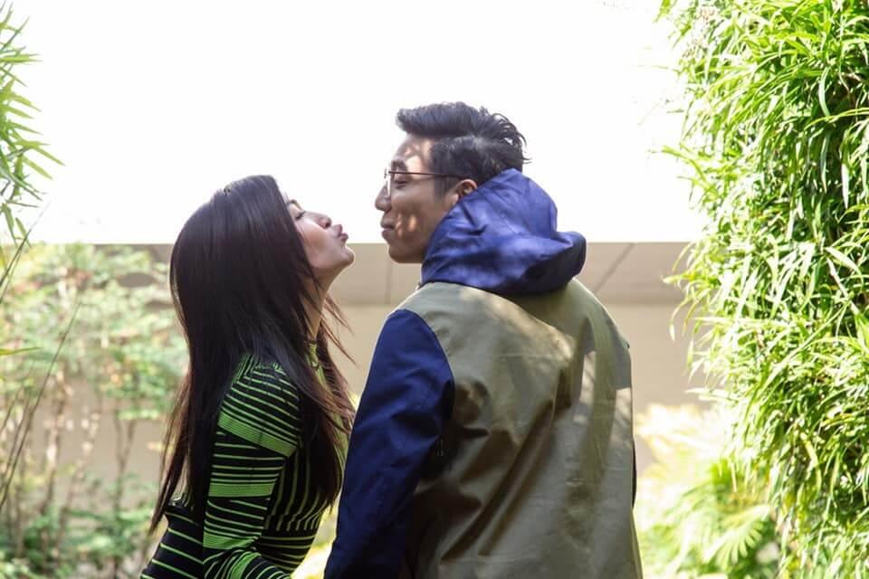陳偉琪及鄭世豪在《愛‧回家之開心速遞》飾演細龍生及細龍太,早前有一集劇情更被指影射安心事件。