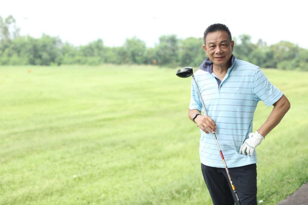 關偉倫近年愛上打高爾夫球,跟樓南光、甄志強等人是波友。