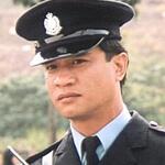 初入影圈的黃栢文經常飾演警察角色,年輕時的他經常被誤認為武打明星傅聲。