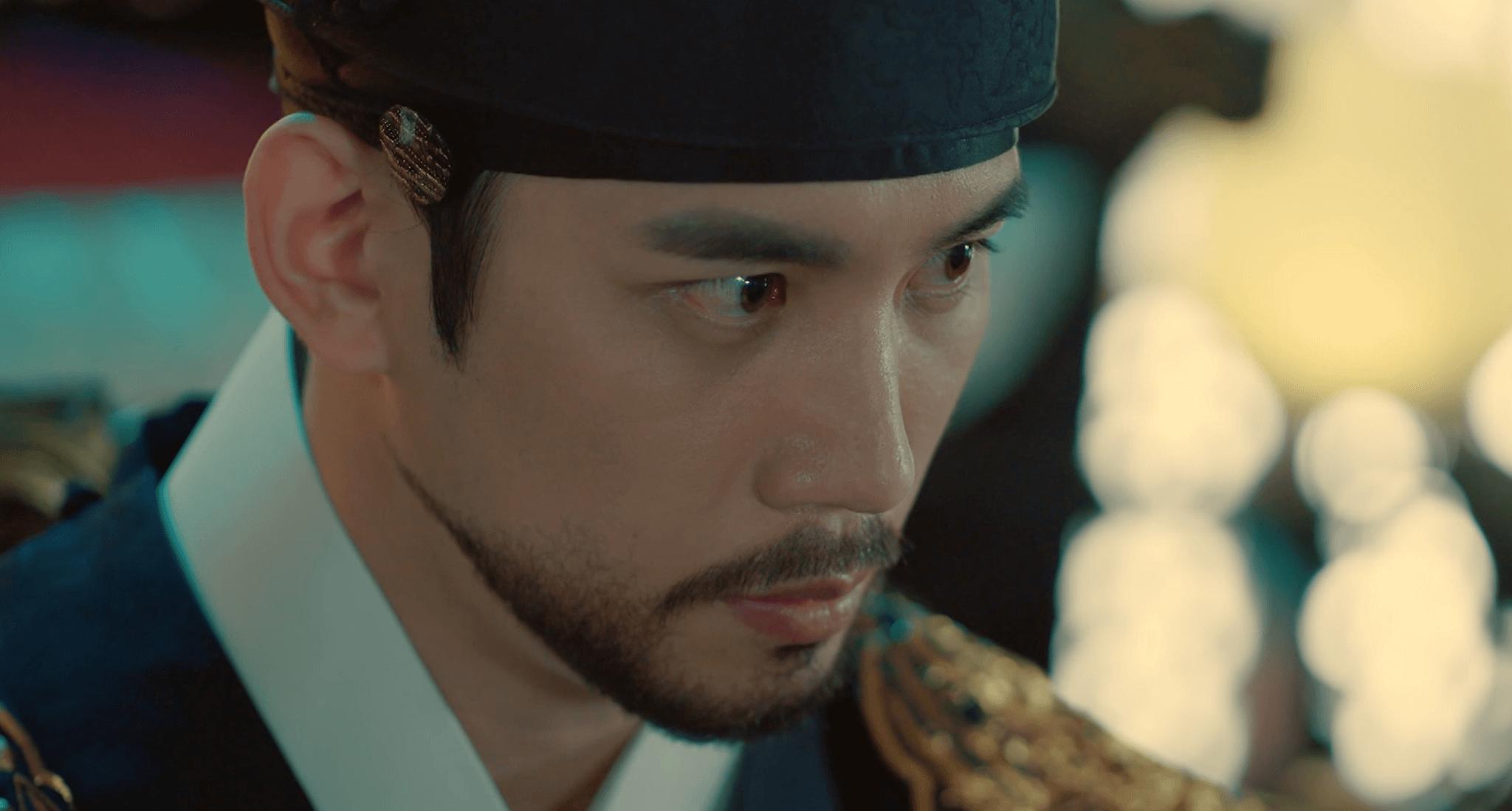 演員朴基雄在劇中飾演王位繼承人,也是非常疼惜車銀優的哥哥。