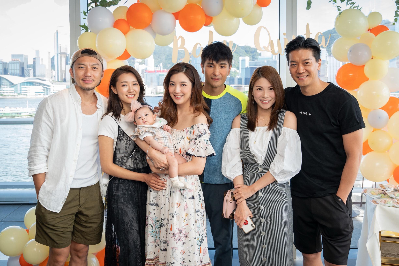 袁偉豪與女友張寶兒及黎諾懿夫婦都有份出席百日宴。