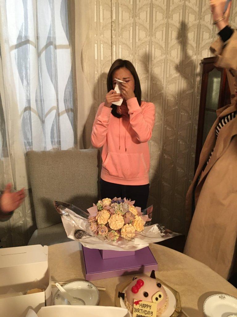 蘇韻姿媽媽越洋為她準備神秘生日會,令她感動落淚。
