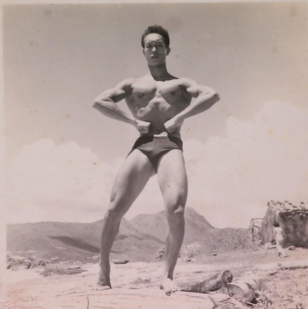 年輕時的李海生是游泳健將,擅長蛙泳,更曾參加海天泳會。