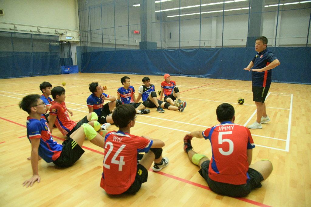 邱教練多年來致力推廣閃避球在香港的發展。