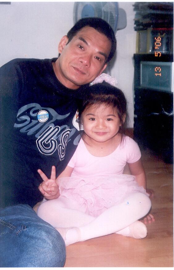 李國麟四十七歲做父親,他笑自己「老蚌生珠」。