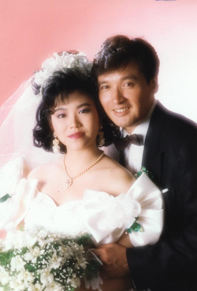 秦祥林拍電視劇,遇上做化妝助理的曹昌莉,向她展開追求,一九八八年結為夫婦。