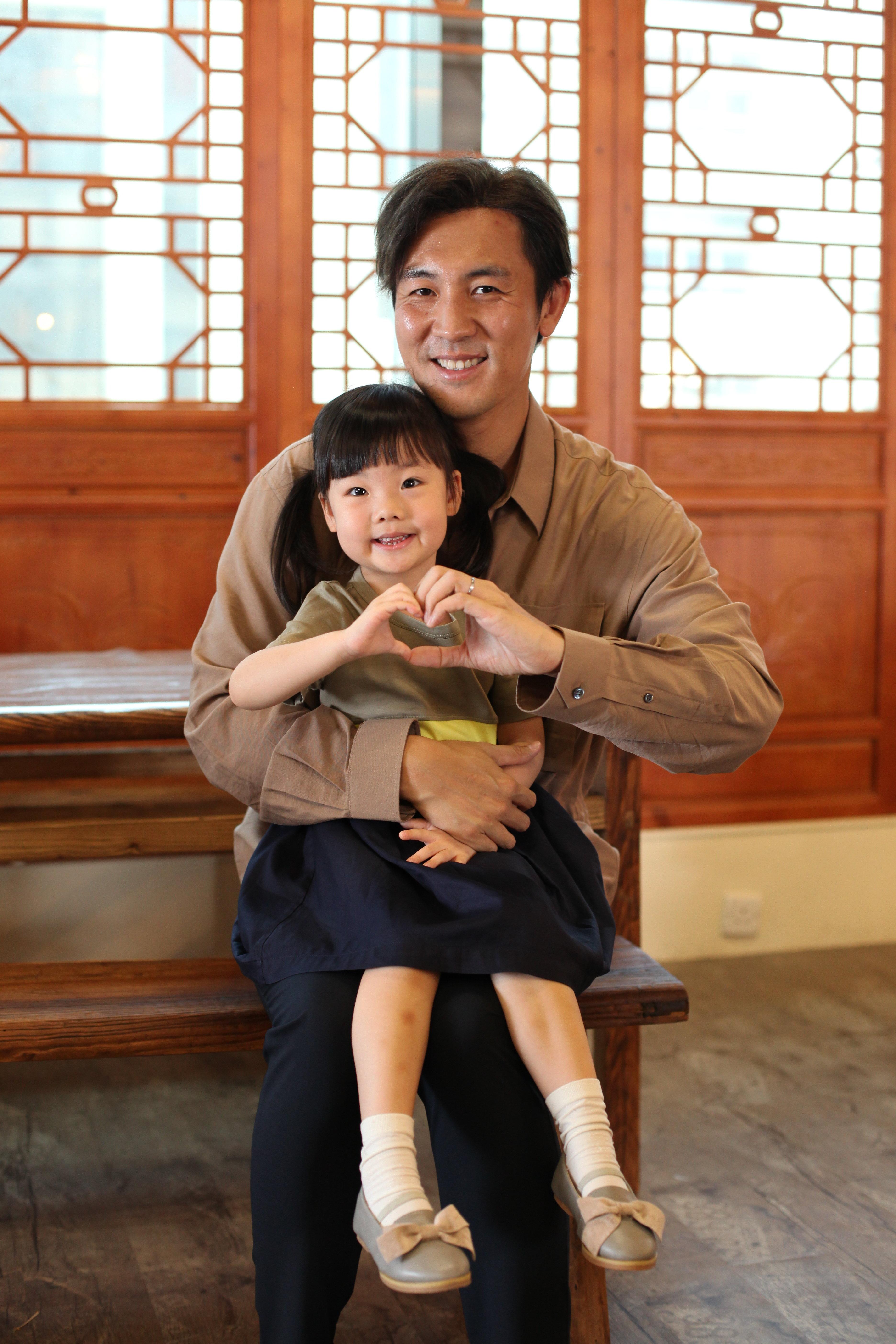 譚俊彥表示囡囡是他的前世情人,經常令他冧爆。