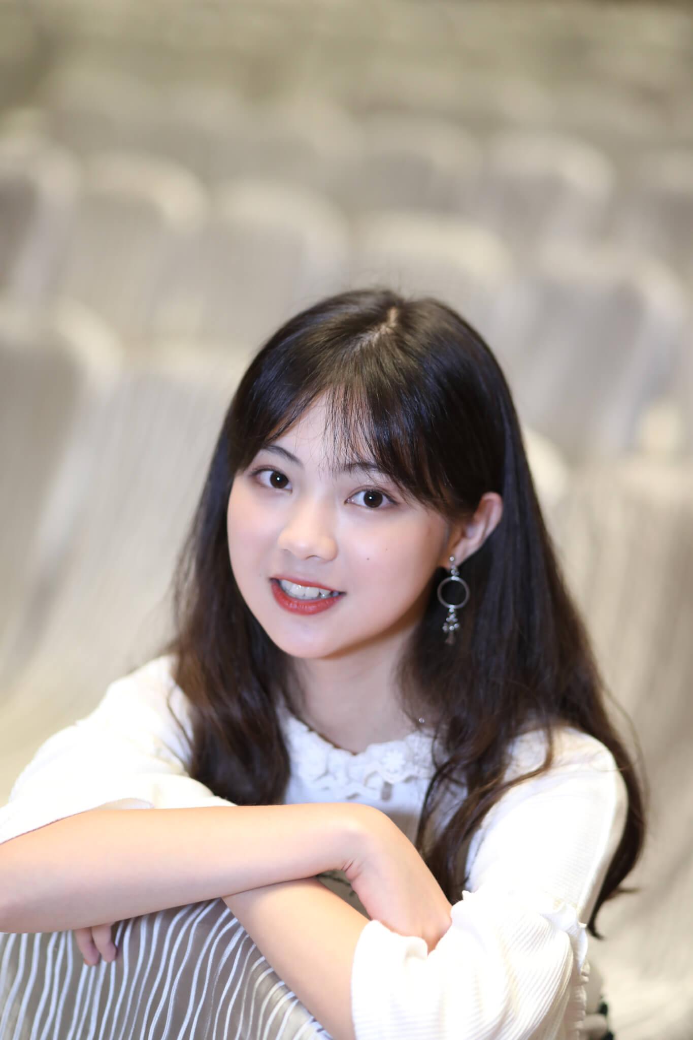 《她》劇中,區明妙飾演年輕版的田蕊妮,亮麗外型令觀眾眼前一亮。