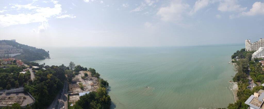 李家聲新居位於檳城峇都丁宜,一千一百呎的單位只售約一百五十萬港幣,目前仍在裝修中。