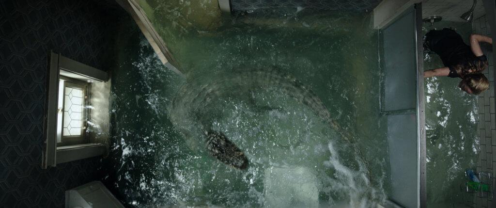 奮勇的卡雅,為避鱷魚,發揮極大急智。