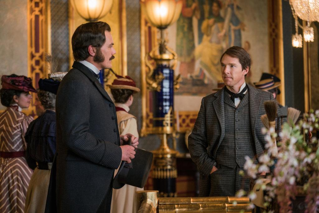 高沙朗(左)飾演的威斯汀豪斯,宅心仁厚,受到眾人愛戴。