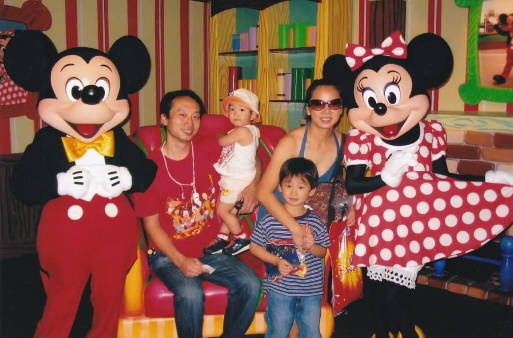 梓瑋的老公是圈外人,二人育有兩個兒子。