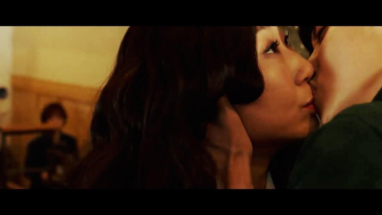 強吻羅美蘭,振永還要捱對方一巴掌,由於是很重要的戲分,不能虛假地掌摑,結果振永被打得搖搖晃晃的跌坐一旁,被鏡頭原原本本的拍攝下來。