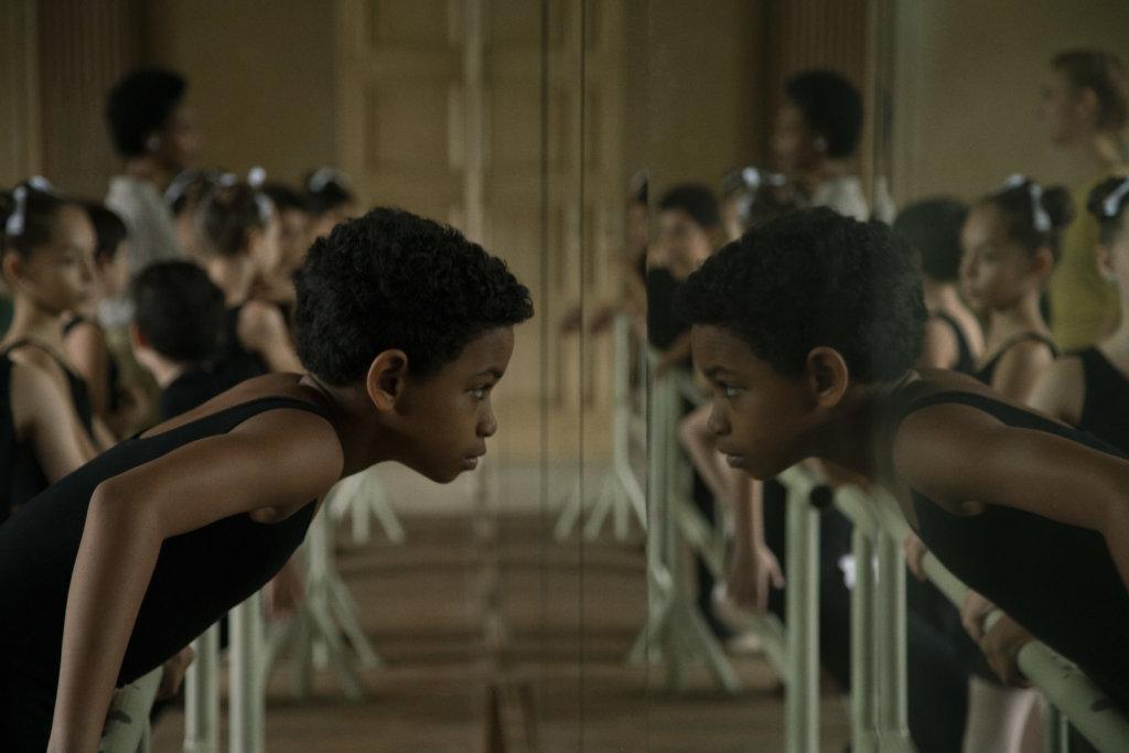 卡洛斯小時候活潑反叛,驚人天賦令他在國家舞蹈學校表現突出。