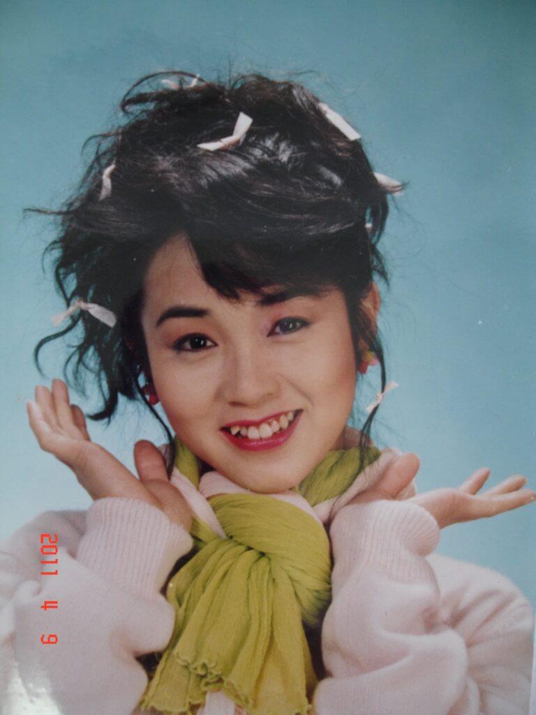 八、九十年代日本明星在港大受歡迎,年輕時的龐秋雁甚有日本少女特質,首個即食麵廣告一出,工作便排山倒海般來。
