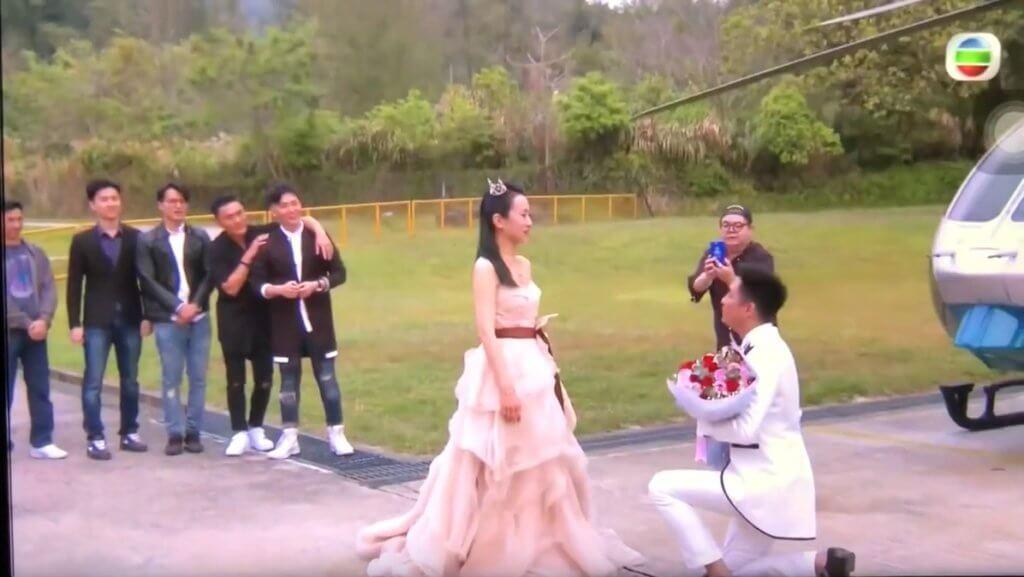 無綫為楊證樺安排直升機求婚儀式,太太感動落淚。