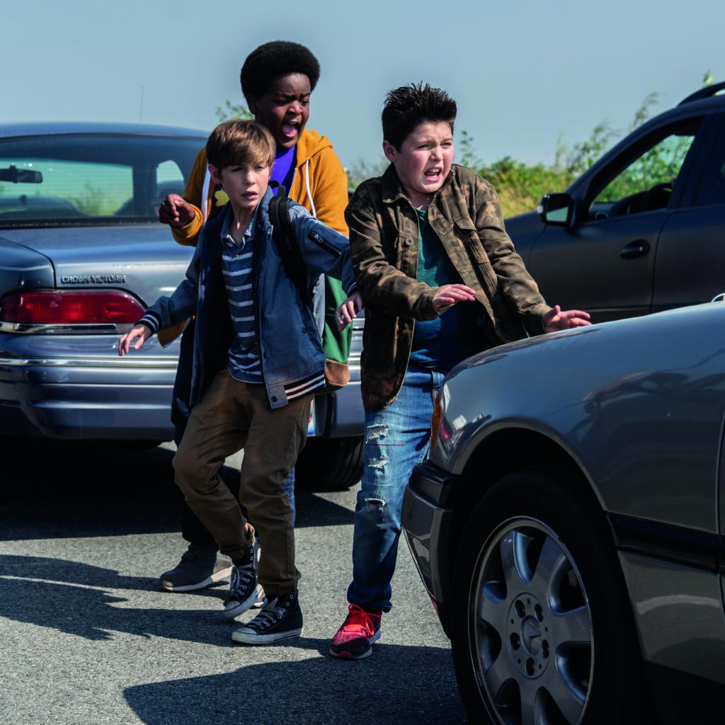 片中其中一場戲要三位主角跑過公路,象徵他們衝破成長的障礙。