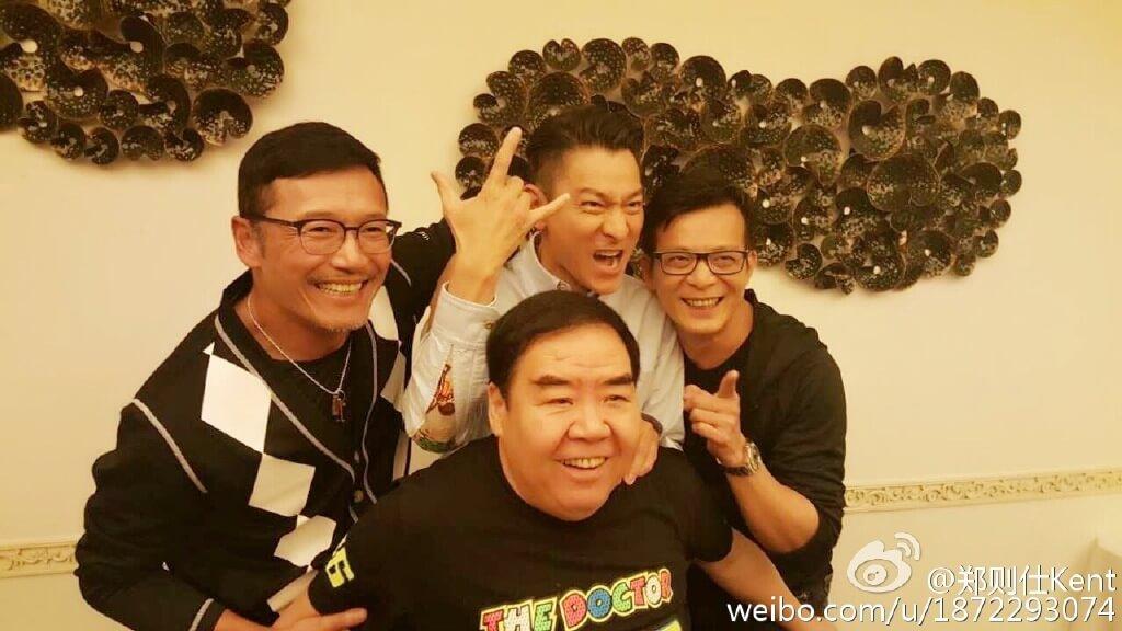 鄭則仕打了幾十年保齡,影壇好友苗僑偉、劉德華、黃日華都喜歡跟他切磋球技。