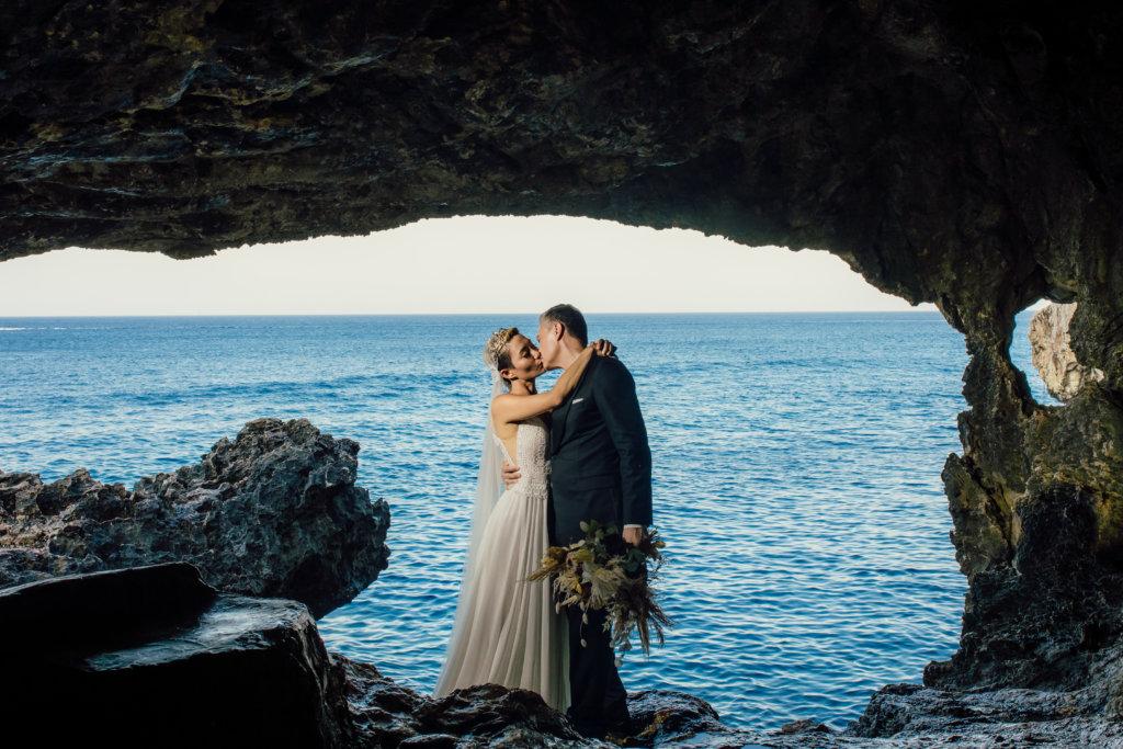 陳鈺芸喜歡這張婚照,有海枯石爛的感覺。