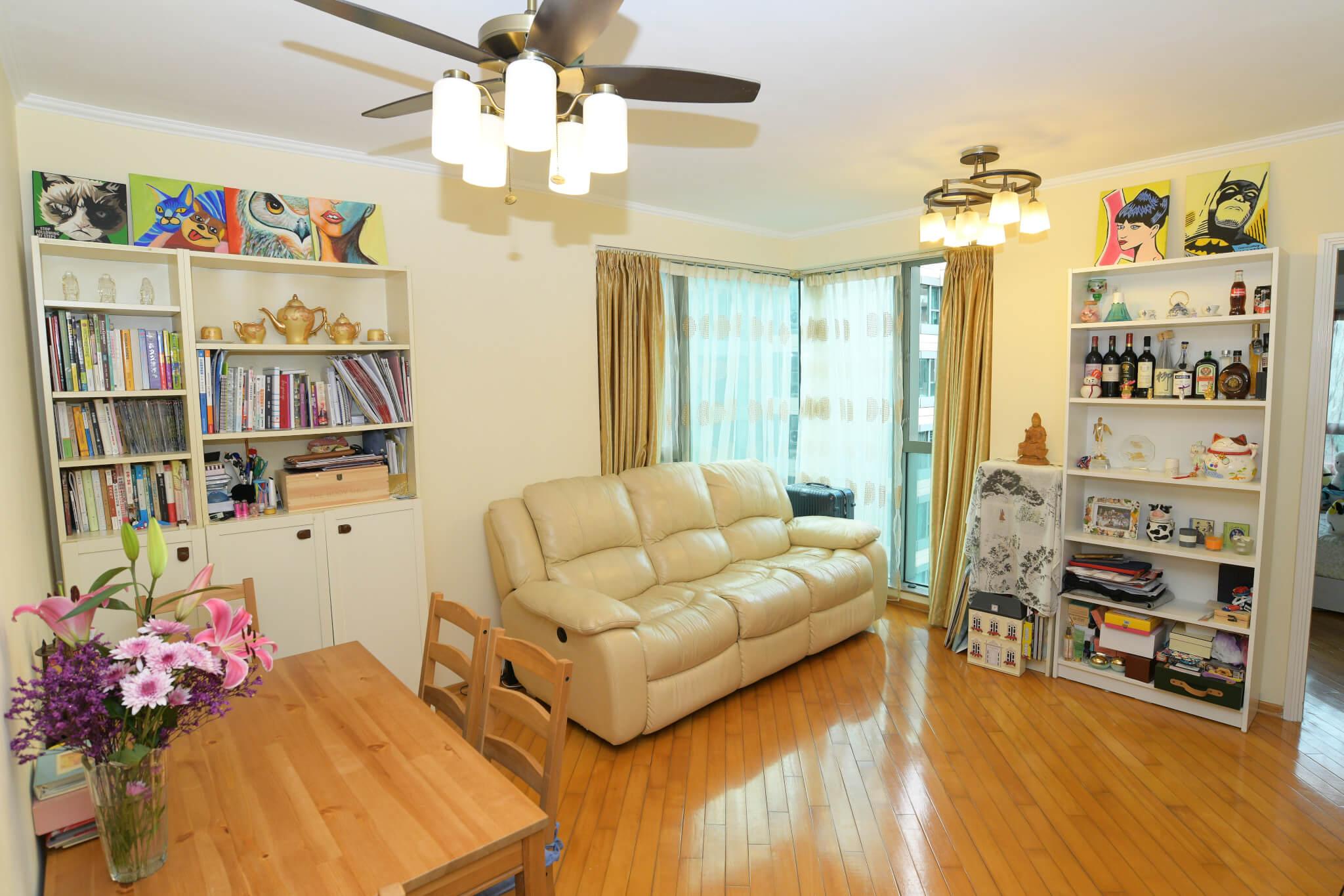 位於紅磡的家約七百呎,開揚而舒適。