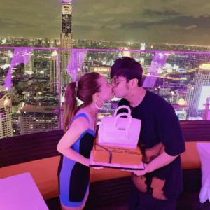 周董為愛妻昆凌慶祝26歲生日