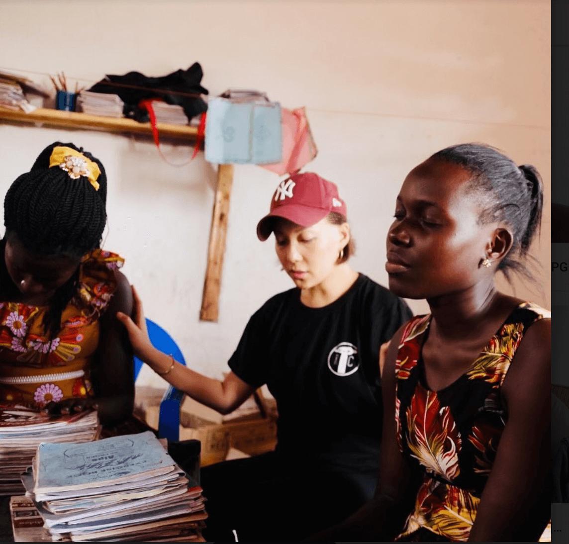 衛詩近年不時參與慈善活動,早前更到烏干達進行探訪