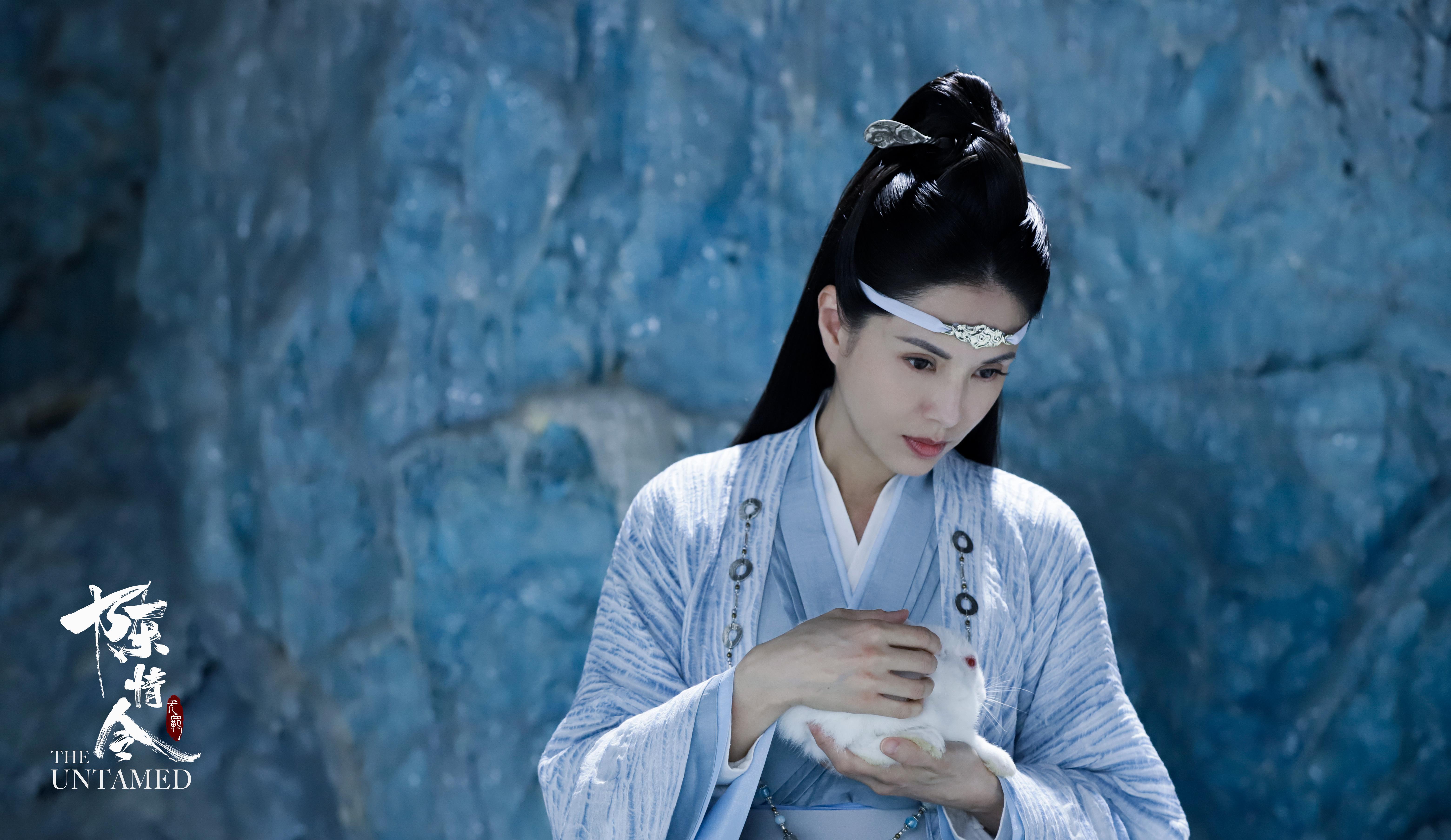 《陳情令》爆紅,李若彤的古裝扮相再次出現,李若彤說喜歡歷史古裝劇,之前都有追看《延禧攻略》。