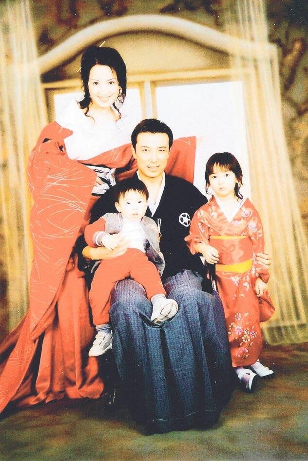 龔慈恩於九九年在加拿大下嫁台灣藝人林煒,婚後育有一子一女。