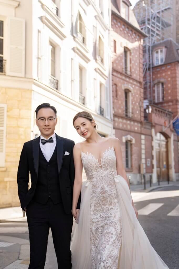 十月二十一日是兩人在法國拍婚照一周年紀念。