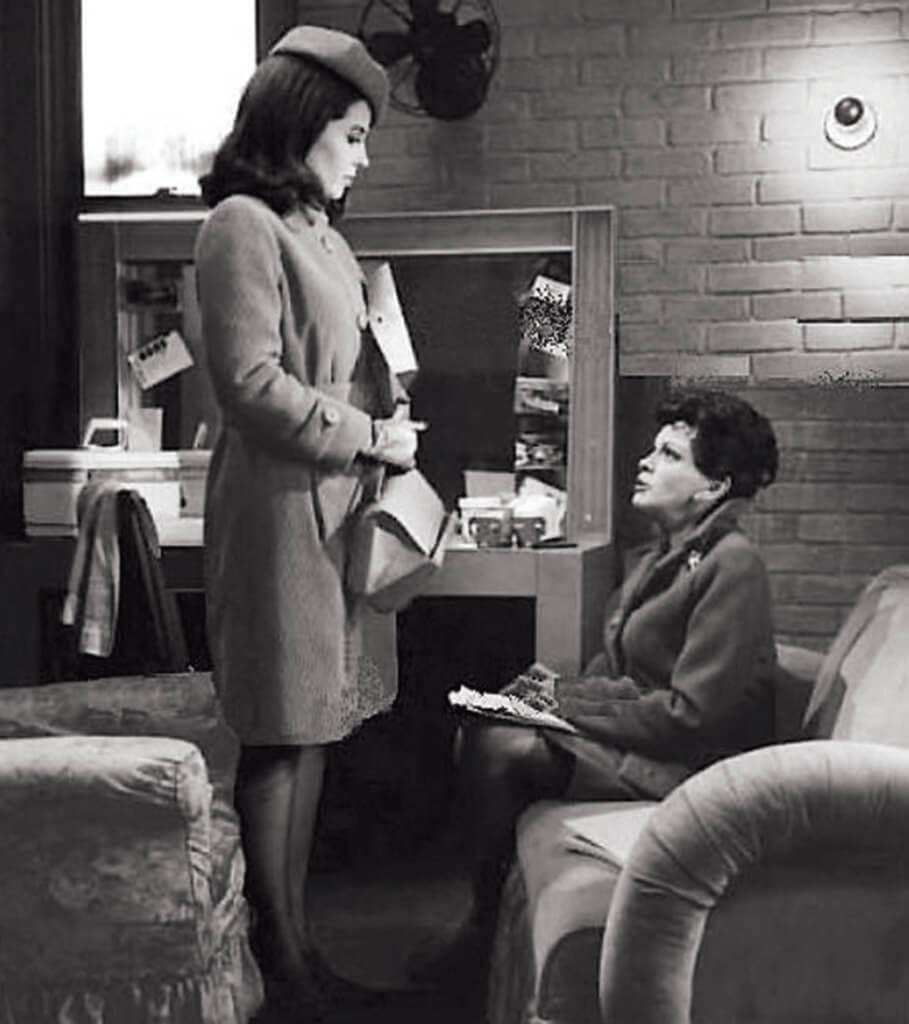 回頭看去,還是要感謝茱迪嘉蘭(右)沒有勇氣從化妝間走出來。她,到底是茱迪嘉蘭,多於只是「一位演員」。