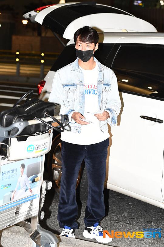 南宮珉周一拍攝完《Stove League》,從夏威夷回韓。