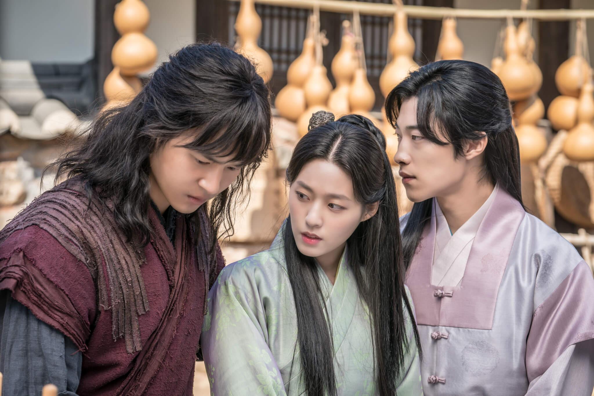 除了爭權,徐輝和南宣浩還要爭女主角熙渽。