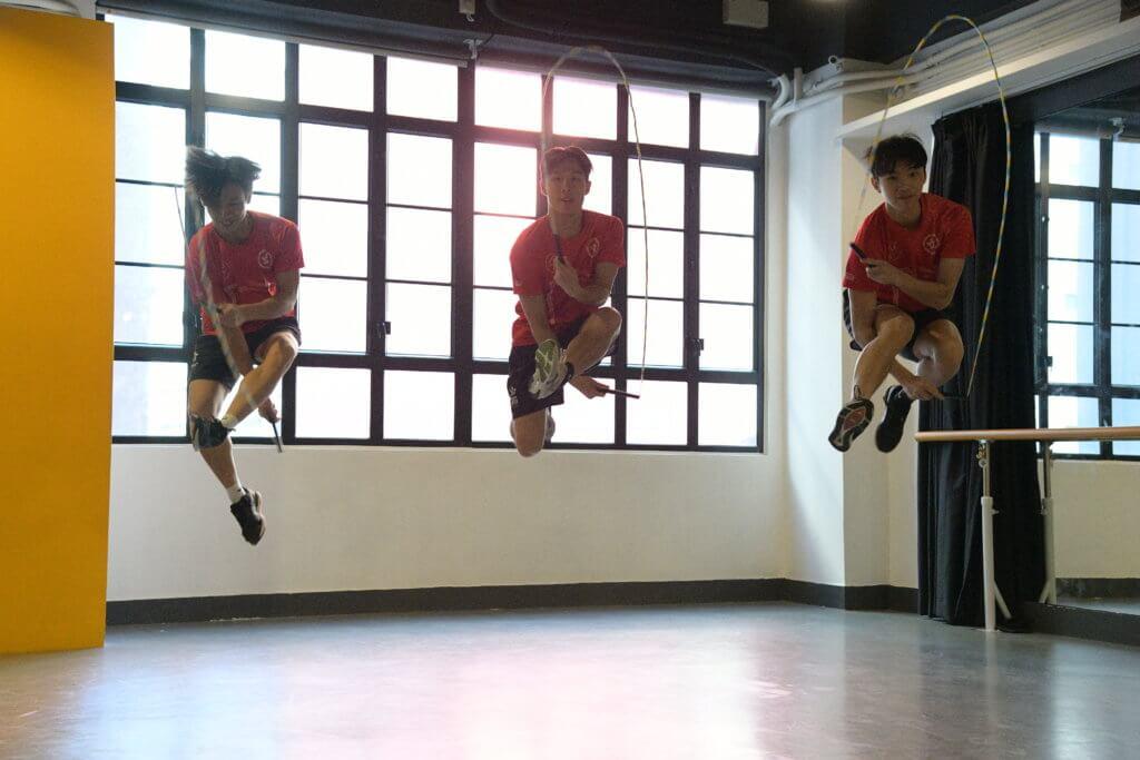 跳繩比賽除了鬥快,還需要加入高難度動作才有取勝機會。