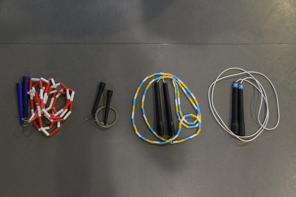 跳繩前,選對適合自己的繩更容易上手。