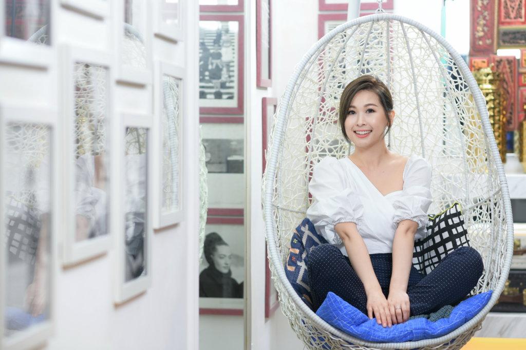 趙希洛去年與無綫簽下經理人合約,捱足十年,終成為無綫親生女。