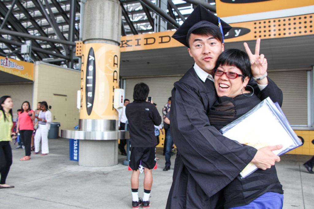 美國大學畢業後,他決心返港闖娛樂圈。