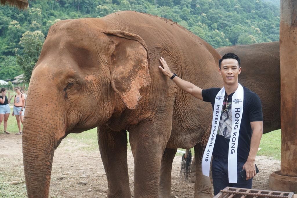 凱景足球員鄭璟樂早前到泰國參加「全球先生」競選,獲「最上鏡先生」獎項。