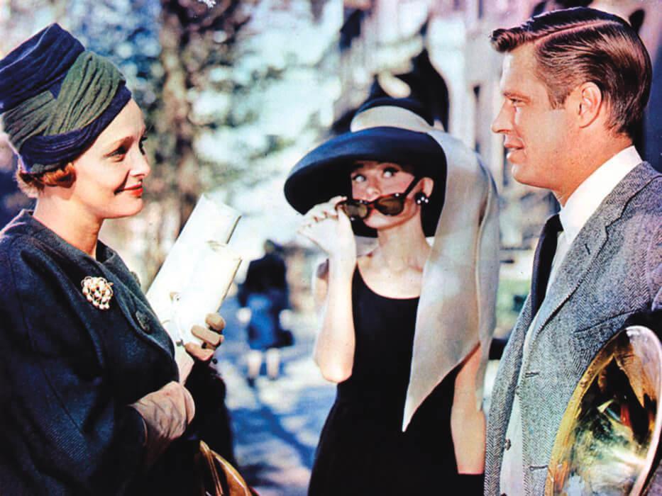 在《珠光寶氣》中戲分不多,但毋須多言已氣質完勝的Patricia Neal,既讓被她包養的男主角佐治畢柏不會齷齪,也壓得住百年一遇的柯德莉夏萍。