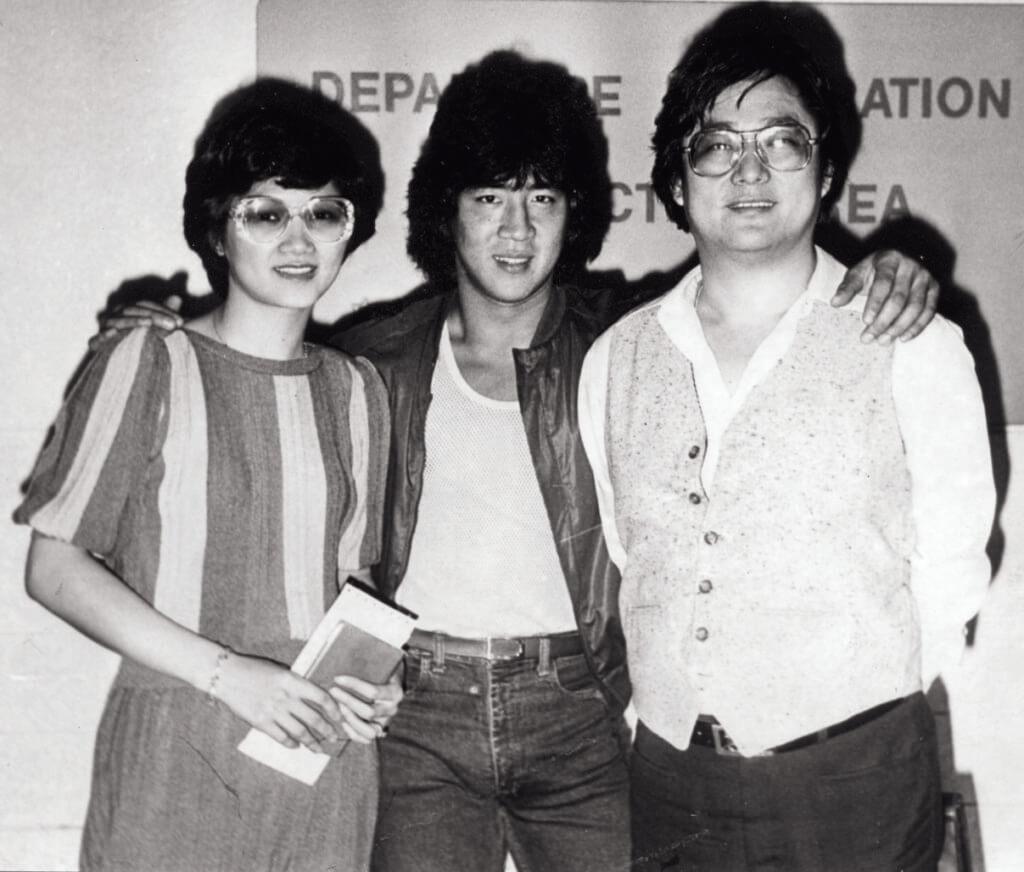 吳思遠發掘了李元霸,兩人簽了五年合約,卻只合作了一部電影便分道揚鑣。圖為李元霸與吳思遠夫婦。