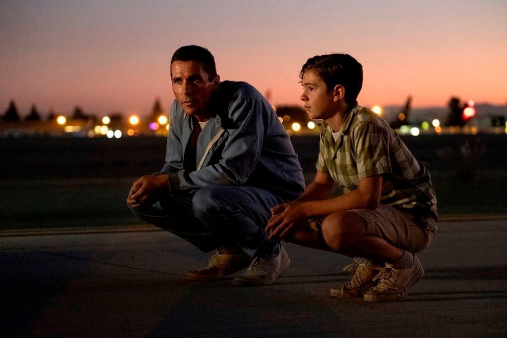 片中基斯頓一段父子情描寫得細膩感人,現年十四歲的上位新星Noah Jupe飾演兒子。