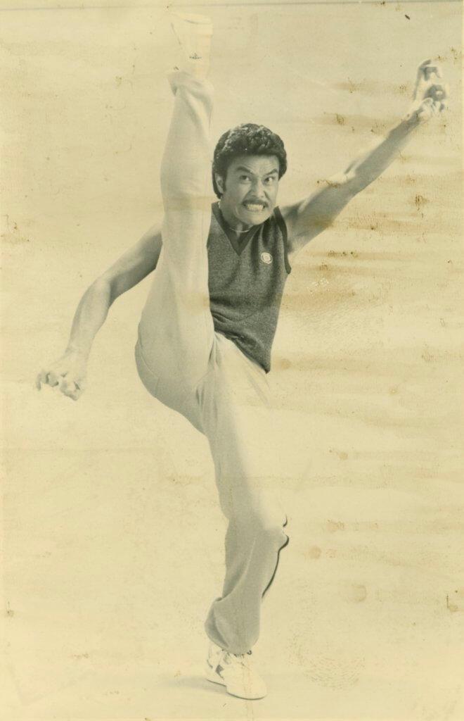 黃錦燊在美國唐人街習武,有拳腳底子。