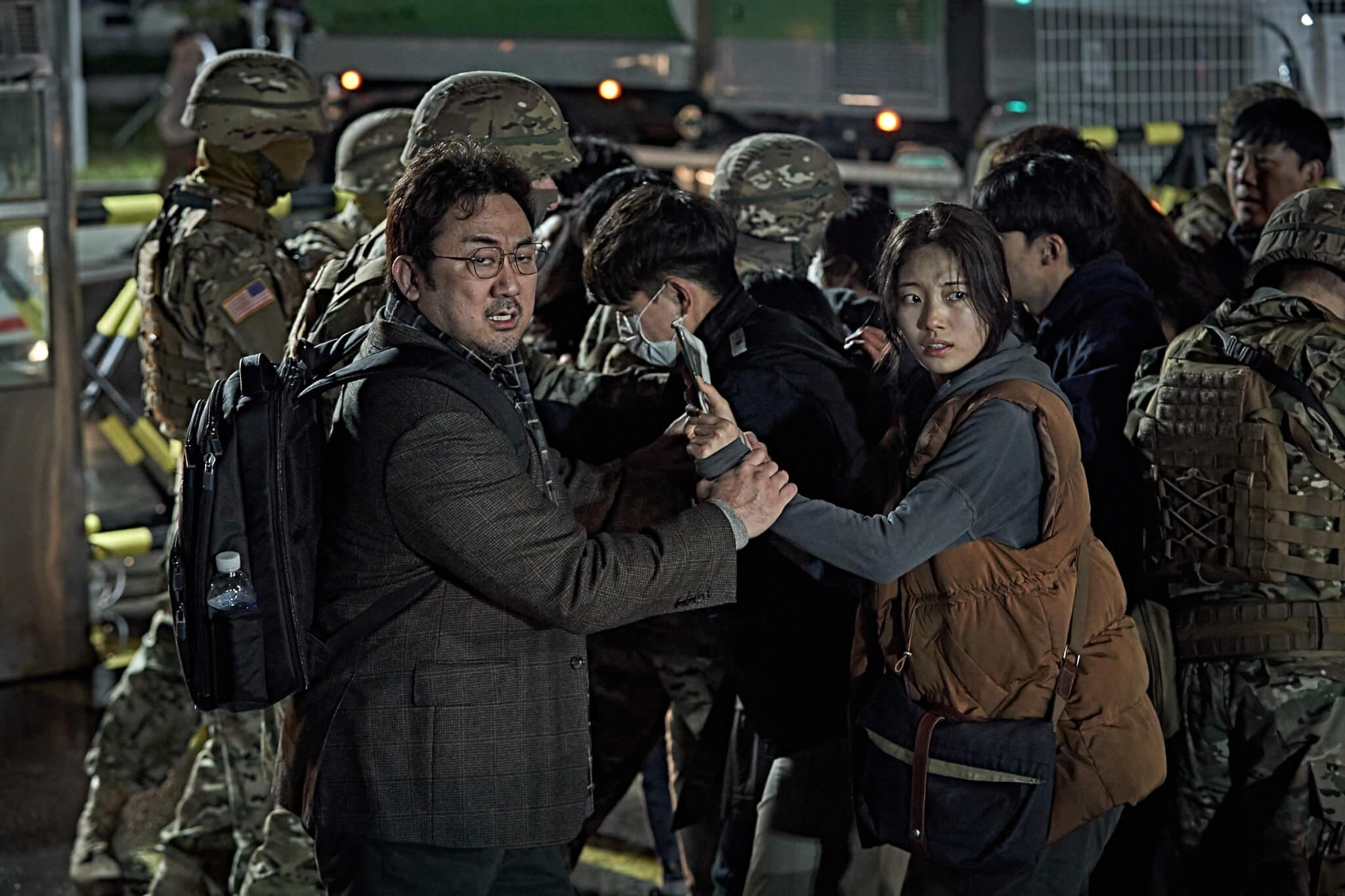 馬東錫今次在《白頭山》飾演手無搏雞之力的地震學家,算是另類突破。