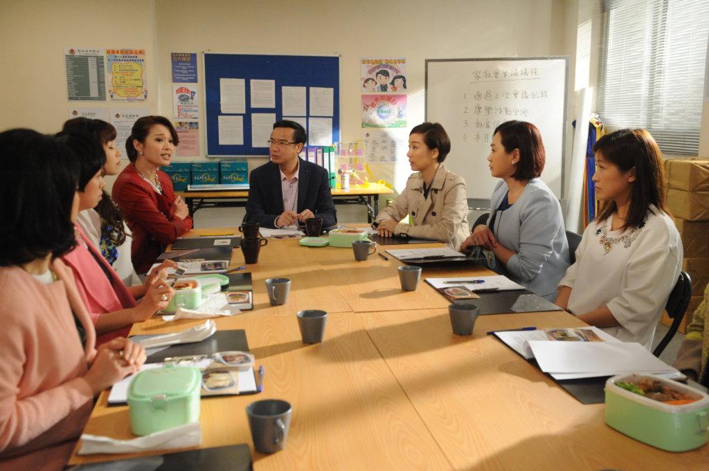 在《親親我好媽》飾演家長教師會主持,現實中的他曾擔任老師,主要教中文及體育。