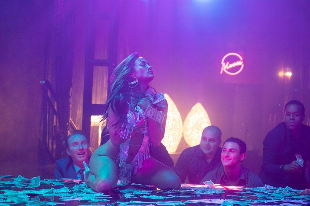今年已半百的J Lo在片中仍火辣非常