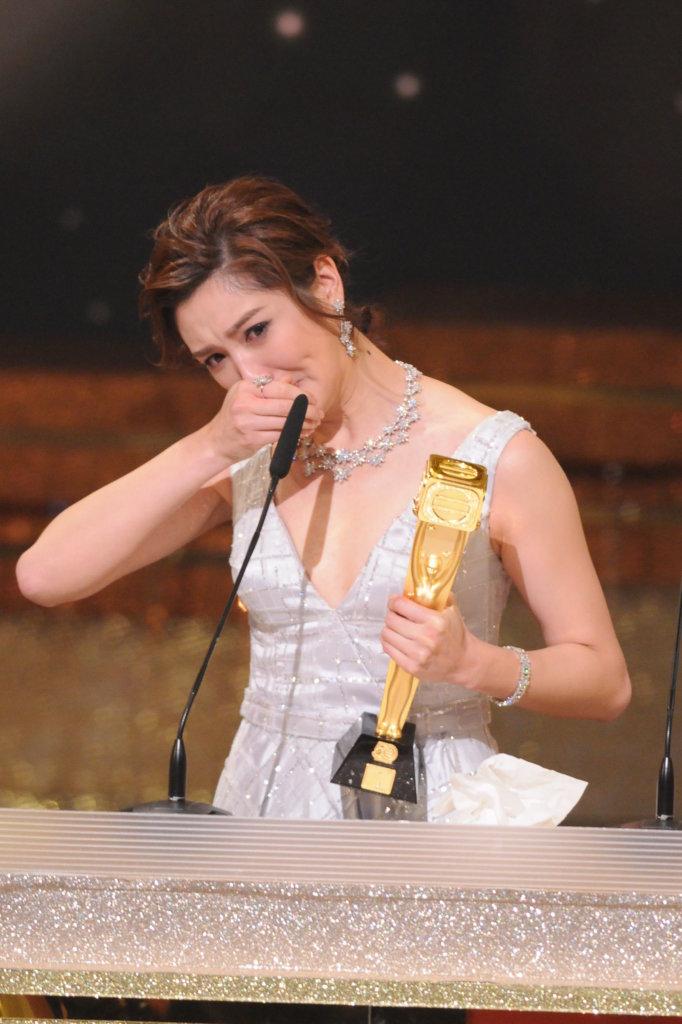 一八年初的台慶頒獎禮,麥美恩贏得飛躍進步女藝人,激動流淚。