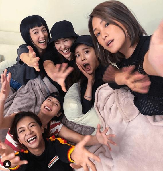 自從拍完劇集《女人俱樂部》後,與陳瀅、陳嘉寶和賴慰玲等成為好姊妹。