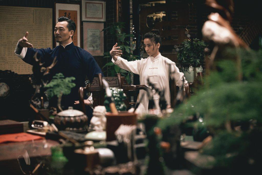 吳樾飾演太極拳師傅,新演員李宛妲演其女兒。