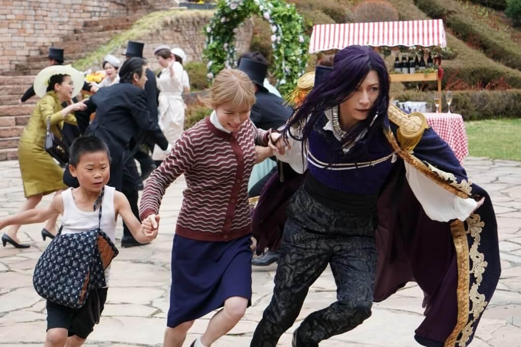 《飛翔吧!埼玉》講埼玉人不甘被鄰近都縣歧視及不合理對待,作出反抗。