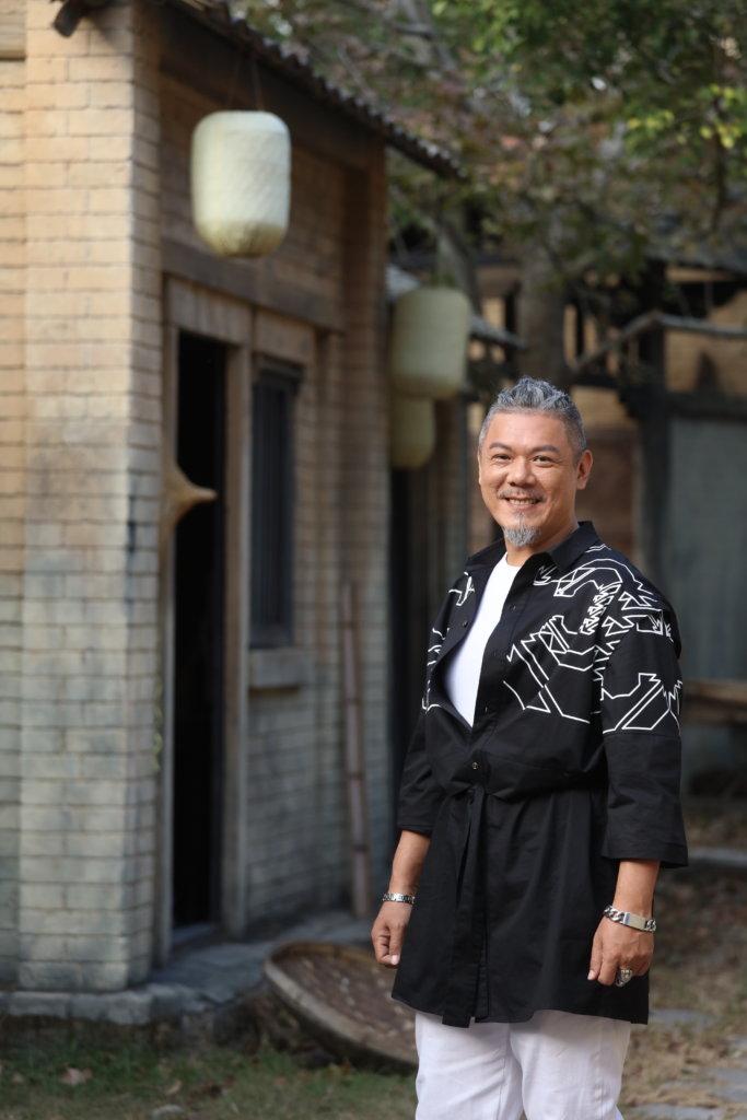 彭皓鋒笑言在內地拍劇經常說普通話,白髮也長了不少。