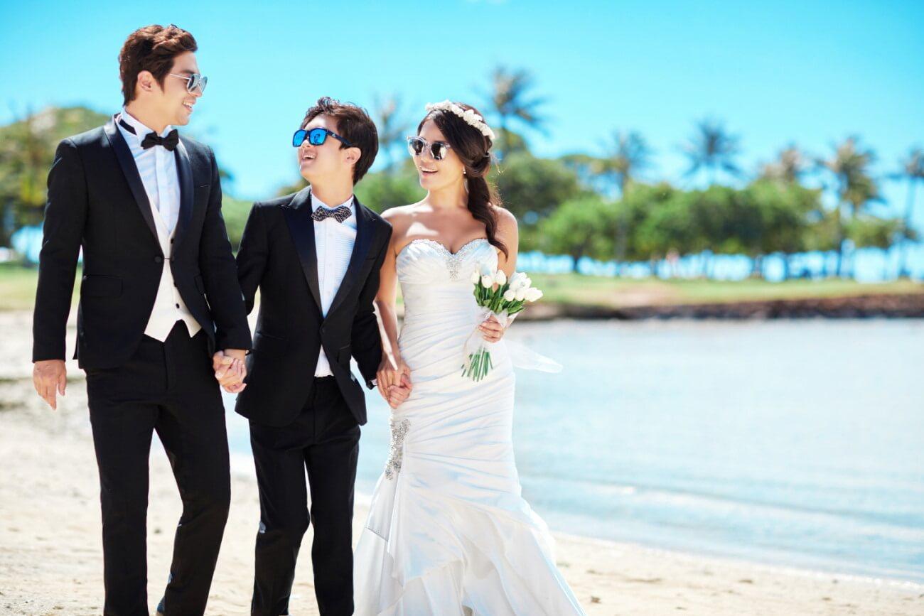 撇開囝囝的病,權五重一家非常幸福,一六年,結婚廿周年時還一家三口拍婚照。